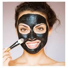 Masque-visage-au-charbon-DIY